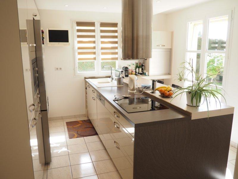 vente saint prix village belle maison familiale de qualit. Black Bedroom Furniture Sets. Home Design Ideas